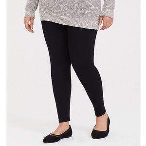 NWT Torrid Seamless Black Leggings